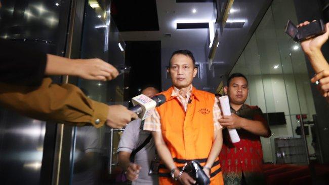 MIRIS...Anak Menikah Hari Ini, Direktur PT Krakatau Steel Malah Ditangkap KPK