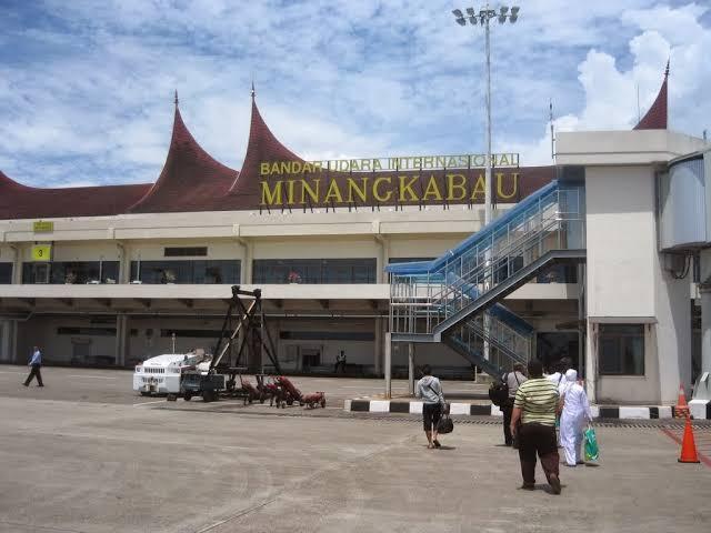 KONYOL... Mudik, Anggota TNI Ngaku Bawa Bom di BIM Padang, Pramugarinya Langsung Ciut