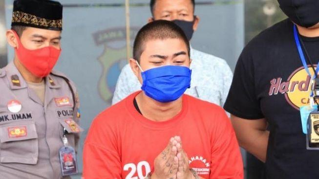 Hina Nabi Muhammad SAW di Medsos, Pelaku Minta Maaf Usai Ditangkap Polisi, 'Saya Mohon Maaf, Saya Mabok dan Tak Sadar'