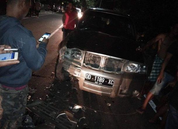 TRAGEDI MALAM MINGGU... Mobil Scudo Tabrak Dua Gadis Cantik, Satu Tewas Satunya Patah