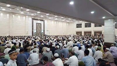 SUBHANALLAH...Di Masjid Abu Darda Pekanbaru, Shalat Tarawih 1 Juz 1 Malam, Ada Jamaah Disuguhi Kopi Pengusir Kantuk