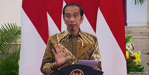 Teringat Datang ke Pekanbaru Turunnya di Padang 8 Jam Perjalanan, Jokowi: Jangan Sampai Kejadian Lagi!