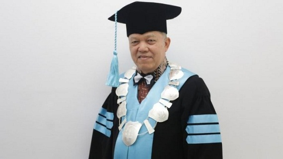 CONGRAT...Hari Ini, Prof. Dr.Yusri Munaf SH,M.Hum Diangkat Menjadi Guru Besar Hukum Tata Negara UIR
