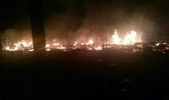 Ditinggal Mudik, Belasan Kios di Pasar Logas Kuansing Terbakar