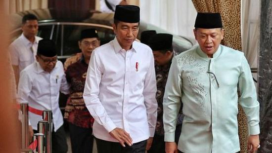 Kepada Bambang Soesatyo, Jokowi Titip Pesan Untuk Golkar