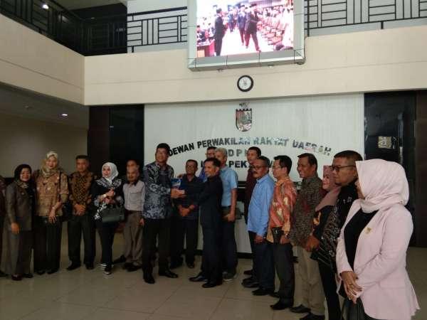 DPRD Solok Studi Banding Penyusunan APBD 2020 ke DPRD Pekanbaru