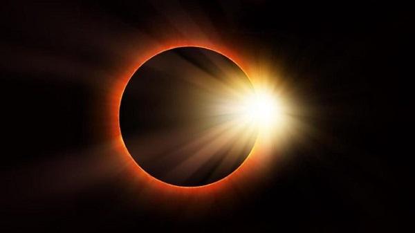 PERINGATAN! Jangan Lihat Matahari Cincin dengan Mata Telanjang