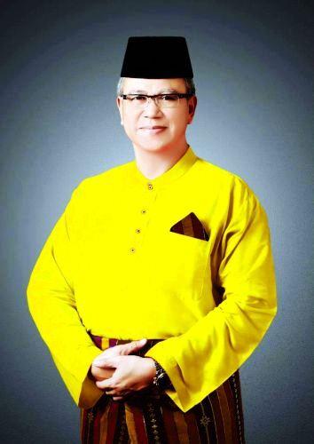 MULAI PANAS... Syamsurizal Nyatakan Siap Maju di Pilgubri 2018