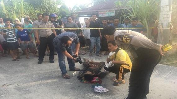 Dua Pria di Sapta Taruna Bukitraya Terkapar Bersimbah Darah Digorok  Pakai Parang