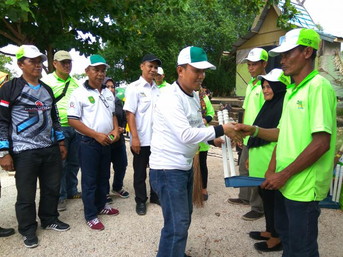 Ketua DPRD Inhil Hadiri Aksi Sapta Pesona Pantai Solop
