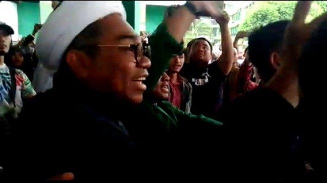 Diusir dari Kampus UINSU, Ali Ngabalin Malah Tuding Mahasiswa Memeras Minta Duit Jalan-jalan ke Jakarta Tapi Tak Dikasih