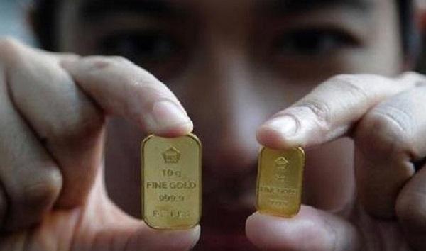 PUSING! Harga Emas Turun Lagi, Anjlok Rp 148.000 dari Rekor Tertinggi!