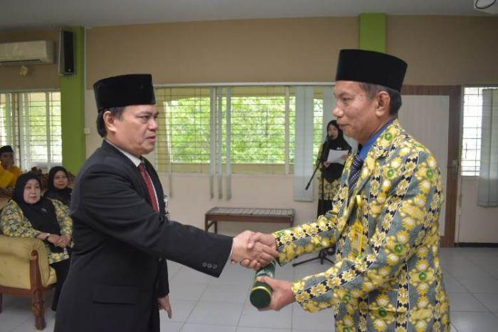 Ketua Yayasan Raja Ali Haji Lantik Dua Dekan di Unilak