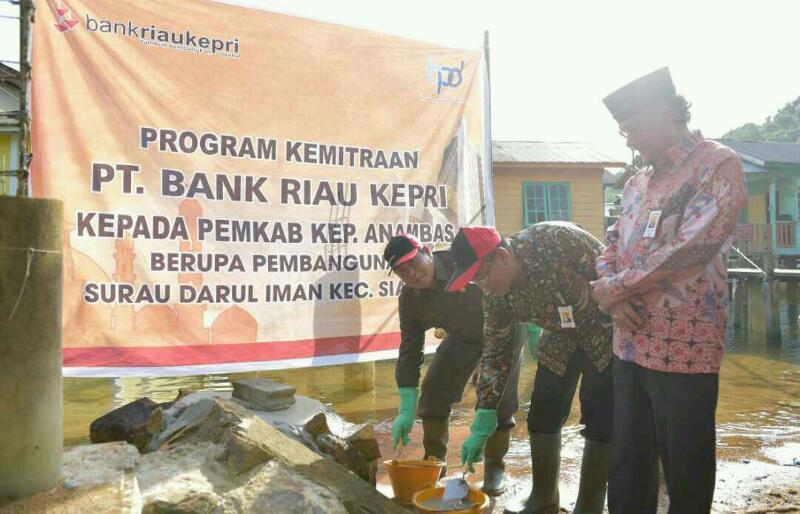 Pemkab Kepulauan Anambas Wujudkan CSR dari Bank Riau Kepri Berupa Musholla