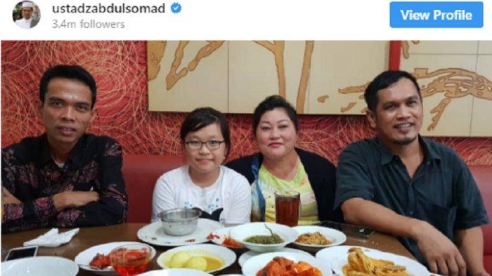 SUBHANNALLAH...Ini Cerita Ustadz Abdul Somad Diajak Foto dan Dibayarin Makan oleh Ibu dan Anaknya yang Non-Muslim