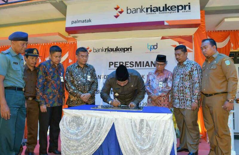 Bupati Anambas Resmikan Kantor Kas ke 41 Bank Riau Kepri di Kecamatan Palmatak