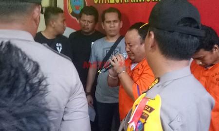 TERLAMBAT...Mengaku Menyesal, Tersangka Pembunuh Keluarga Muhajir Menangis Terisak-isak Minta Maaf