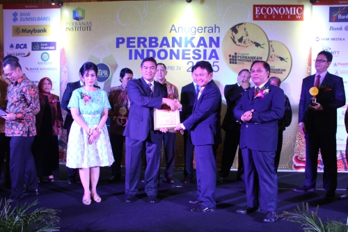 Dirut Bank Riau Kepri The Best Visionary CEO 2015