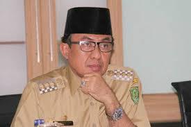 Bupati Wardan Serahkan bantuan untuk Korban Longsor Di Kuala Enok