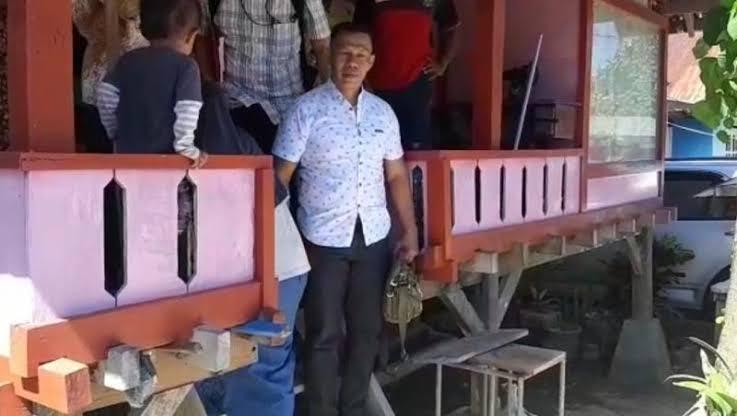 Cerita Versi Lain Pembunuhan La Gode, Kuasa Hukum Sebut Ruslan Buton Dipecat dari TNI Karena Tolak TKA China Masuk Ke Maluku