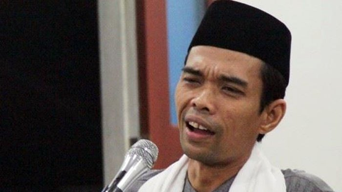 Ditanya 'Yang Gaji Kamu Siapa?' Ini Jawaban 'Pedas' Ustadz Abdul Somad
