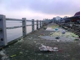 Jorok, Penguna Kapal Penyeberangan Roro Seleri Minta Dishubkominfo Bengkalis Benahi Pelabuhan