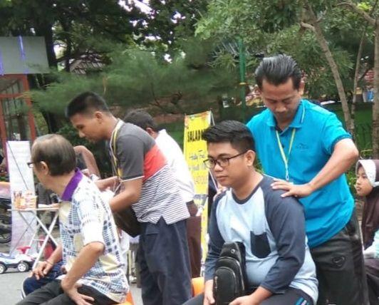 Pertuni Riau Peringati Hari Disabilitas Internasional dengan Aksi Pijat Gratis