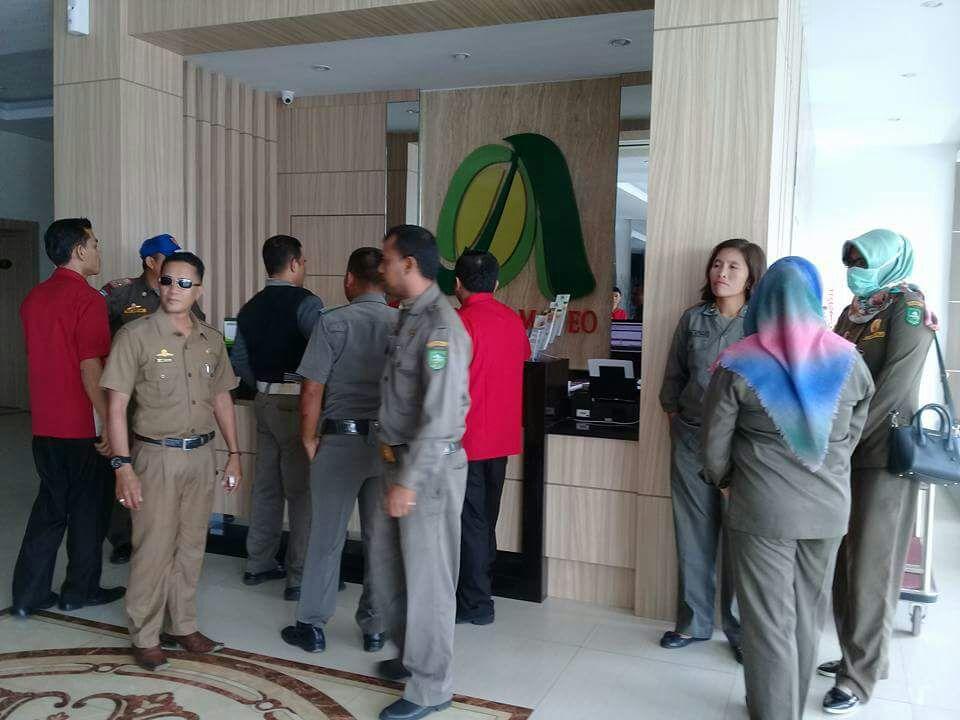 ANEH... Petugas Satpol PP Mandau 'Menyesal' Telah Merazia Hotel 'Berbintang' Amadeo di Kota Duri, Lho Kok?