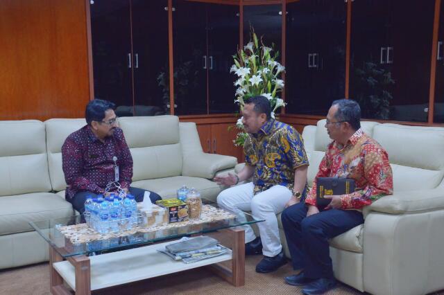 Bupati Kampar Jemput Bola ke DirjenSarana Prasarana Kementerian Pertanian RI