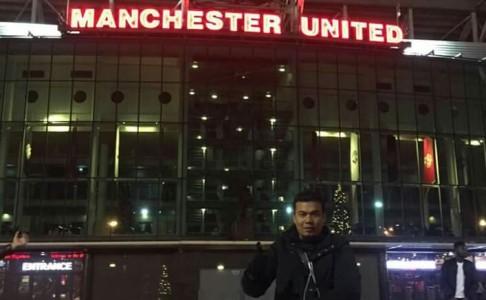 POSTING STATUS PERGI KE DUBAI, Ternyata 11 Anggota DPRD Riau Mejeng di Old Trafford Manchester...