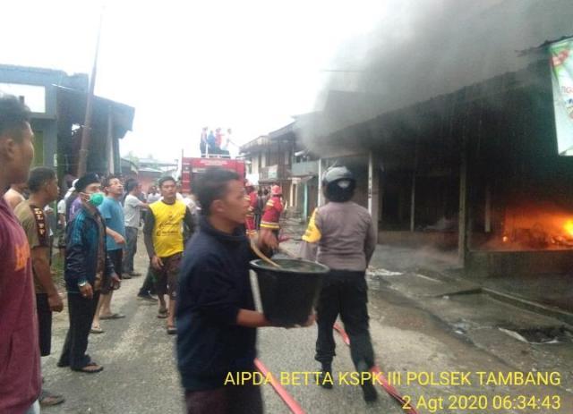 Kebakaran 3 Ruko di Pasar Danau Bingkuang, Tidak Ada Korban Jiwa TapiKerugian Mencapai Rp 1 Miliar