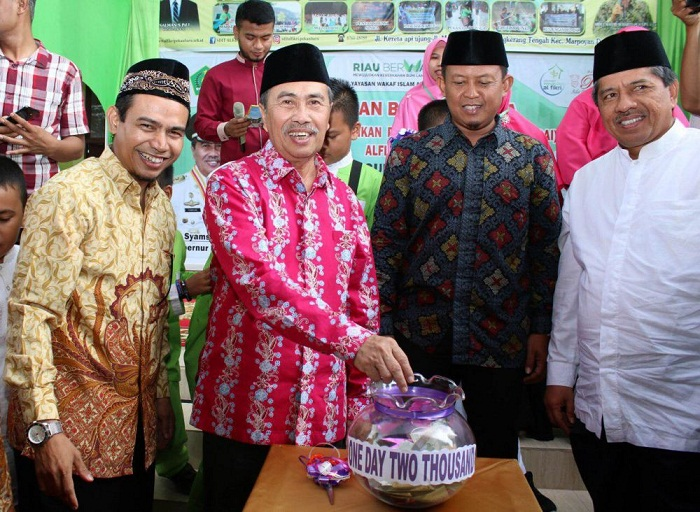 Gubri Resmikan Gerakan Wakaf One Day Two Thousands