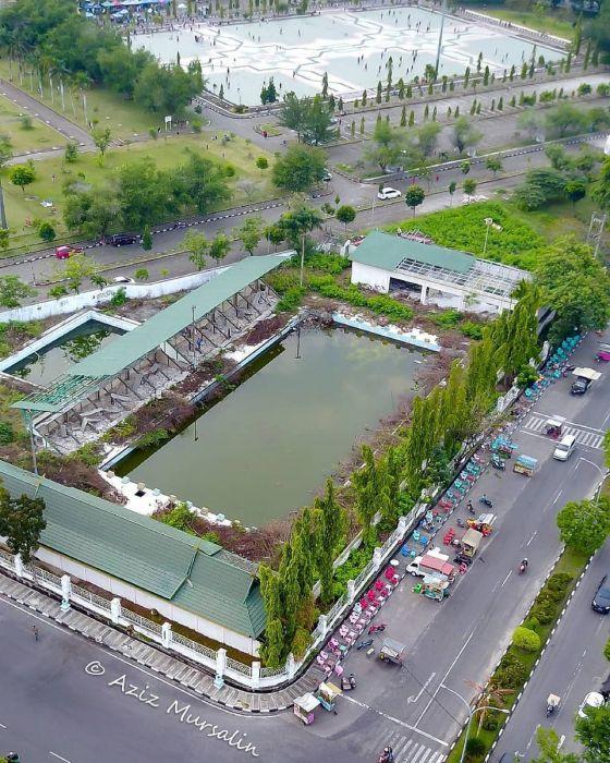 Kolam Renang Syariah Diganti Taman dan Payung Quran Center