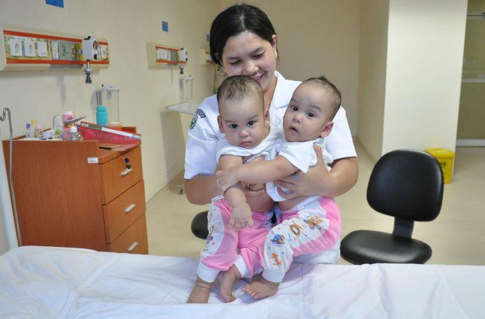 Alhamdulillah! 5 Jam Operasi, Bayi Kembar Siam Adam-Malik Berhasil Dipisahkan