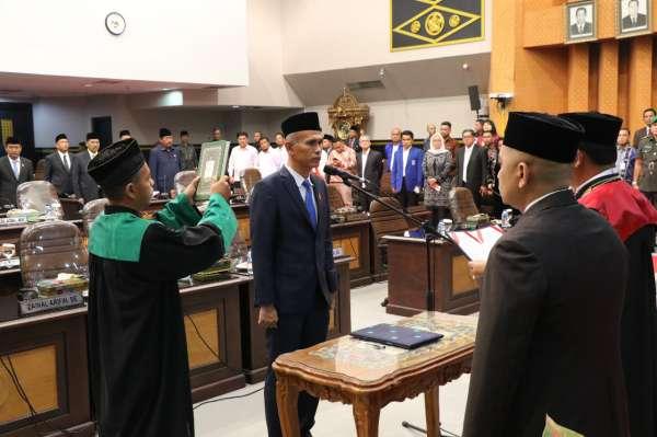 SELAMAT... Ir Nofrizal Dilantik dan Diambil Sumpah Jadi Wakil Ketua DPRD Pekanbaru