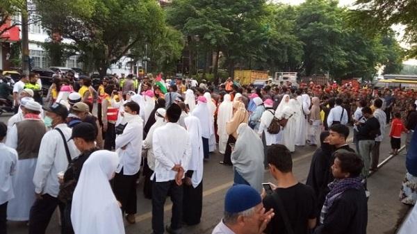 Pagi Ini, Ribuan Alumni 212  Sudah Berkumpul Guna Tabligh Akbar di Gladak Kota Solo