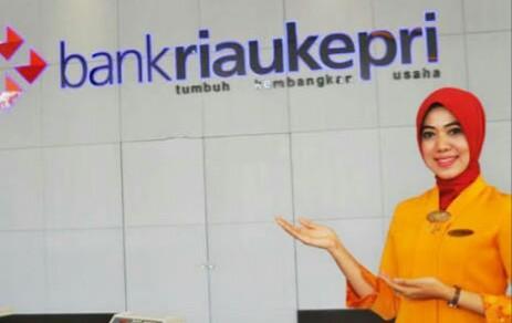 Komisi III DPRD Riau Dukung Bank Riau-Kepri Jadi Bank Syariah