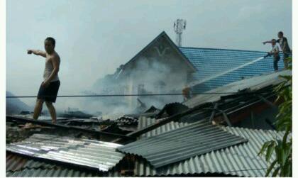 Jelang Lebaran, Tiga Rumah Warga Dumai Terbakar